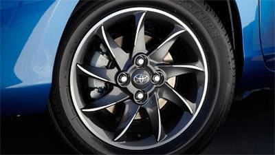 "15"" Alloy Wheels"